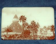 Hotel Del #2 magnet – white